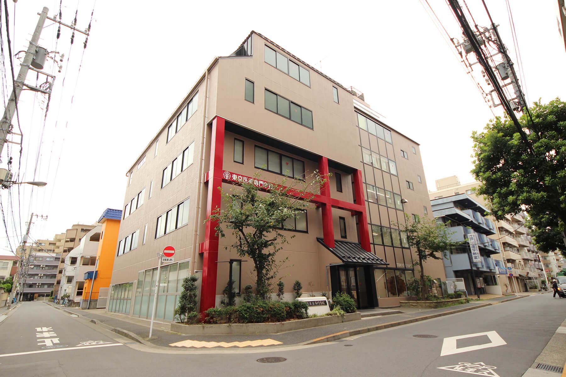 制作実績|写真撮影・東京都-東京医薬専門学校様 画像加工前